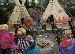 Można też upiec bułkę lub kiełbaskę przy indiańskim ognisku.