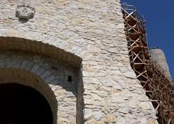 Zamek w Bobolicach otwarty jest dla ruchu turystycznego w weekend w wyznaczonych godzinach. Niestety