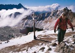 Zawrat jest dla początkujących turystów tatrzańskim chrztem bojowym.