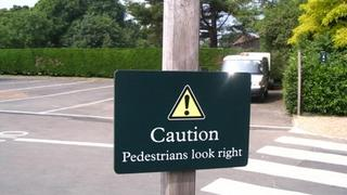 Przechodniu, najpierw popatrz w prawo!