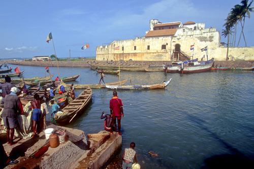 Na obraz współczesnej Ghany wpłynęły tak rodzime kultury, jak i fakt, że kraj ten przez dugi czas zd