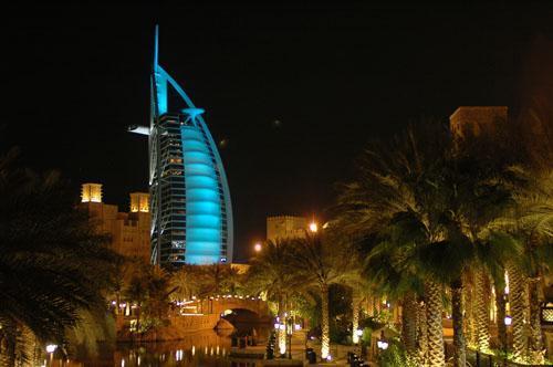 Burdż al-Arab (Wieża Arabów) to jeden z najbardziej luksusowych hoteli na świecie. Fot.: Jarosław To