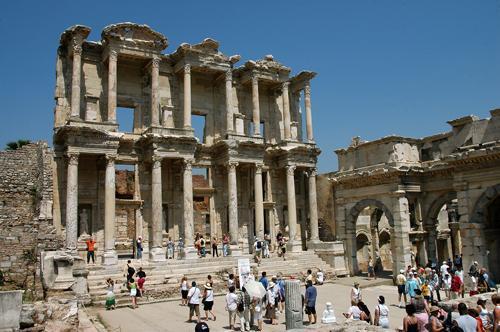 Biblioteka Celsusa jest najlepiej zachowanym zabytkiem Efezu