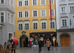Dom rodzinny Wolfganga Amadeusza Mozarta w Salzburgu. Fot.: Jarosław Tondos/TravelFocus.pl