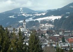 Widok na miasteczko Haus u podnóża szczytu Hauser Kaibling. Fot.: Jarosław Tondos/TravelFocus.pl