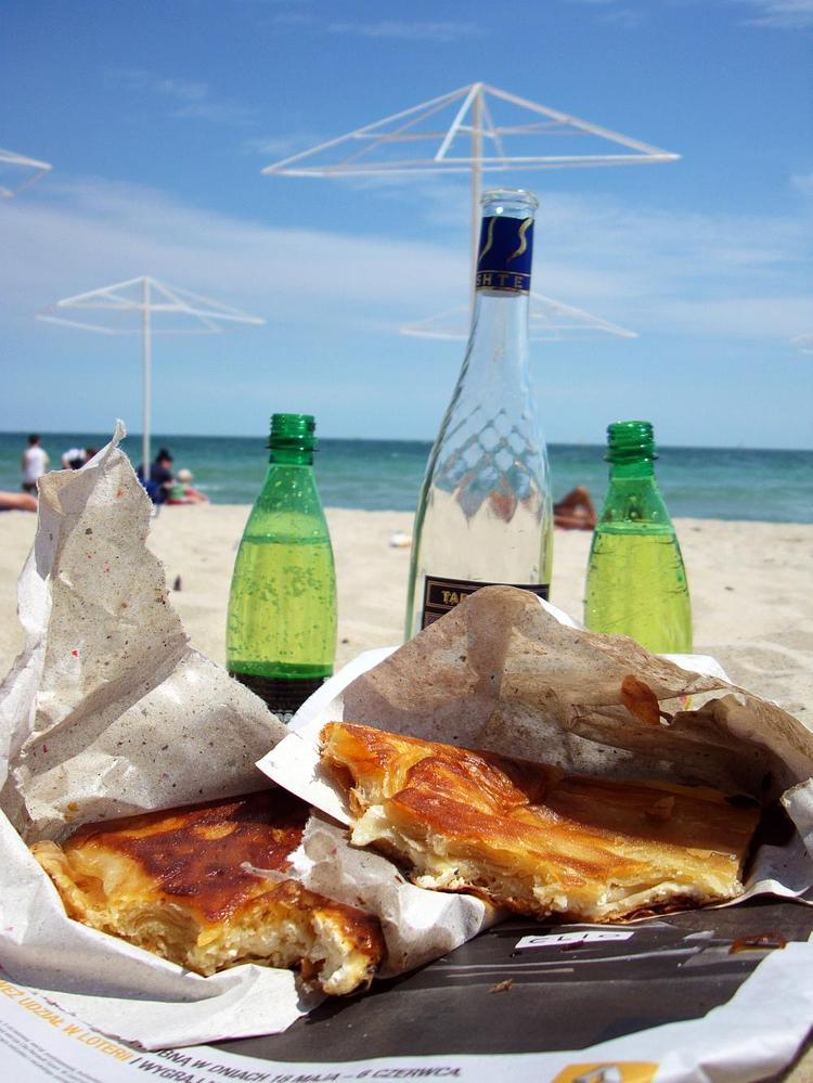 Na plaży chce się nie tylko pić, ale i jeść...