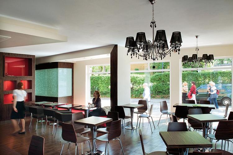 Wnętrze kawiarni Donald zaprojektowali włoscy designerzy. Wystrój toalety jest już autorstwa właścic