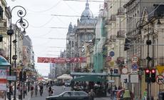 Piotrkowska - jedna z najdłuższych ulic handlowych w Europie (aż 4.2 km) pozostaje kręgosłupem łódzk