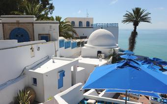 Miasteczka Sidi Bou Said połozone 20 km od Tunisu