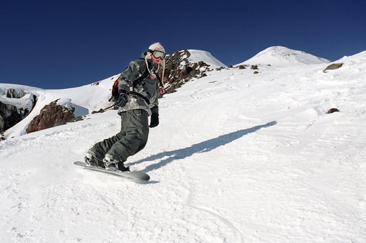 Snowboard na stokach w okolicach Soczi