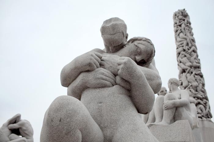 jedna z prawie 200 rzeźb Gustava Vigelanda znajdujących się w parku Frogner