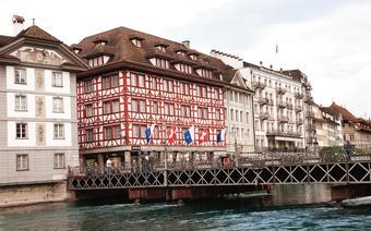 Handelstrasse - ulica, przy której stoją luksusowe hotele i kasyna