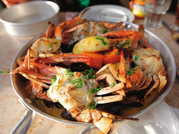 Owoce morza serwowane w restauracji Manta Ray