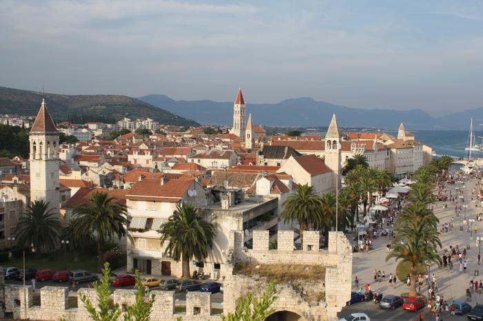 Trogir - miastem portowe na wybrzeżu Morza Adriatyckiego