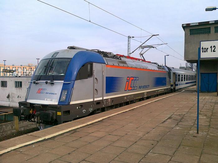 pociąg Intercity