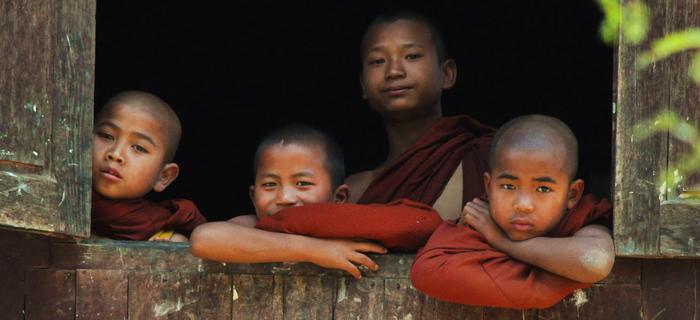 W Birmie żyje ponad 400 tys. buddyjskich mnichów