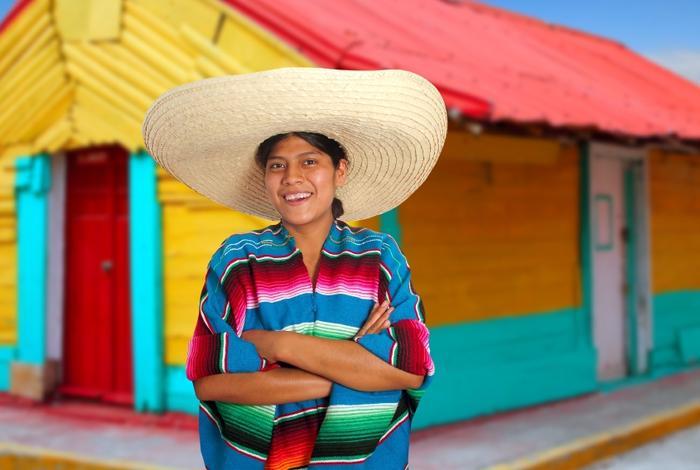 Meksykanka w hiszpańskim sombrero i poncho