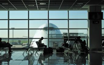 Juz niedługo strefy dla palaczy pojawią się na lotniskach