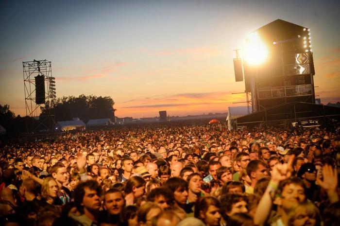 Na festiwalu Open'er co roku bawią się wielotysięczne tłumy spragnione dobrej muzyki na światowym poziomie