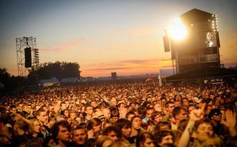 Na festiwalu Opener co roku bawią się wielotysięczne tłumy spragnione dobrej muzyki na światowym poziomie