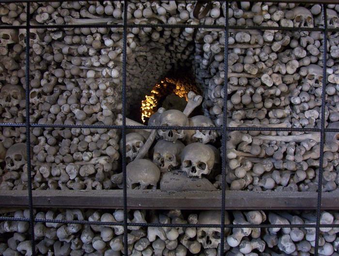 Kutna Hora - kaplicza czaszek