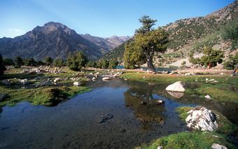 Góry Pamir rozciagające się na południowym wschodzie Tadżykistanu