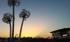 Pustynny zachód słońca na festiwalu Coachella