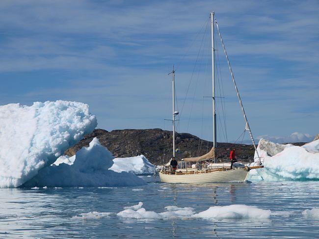 """Jacht """"Anna"""" na wodach Oceanu Arktycznego"""