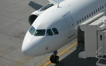Osoby powyżej 65. lat mogą liczyć bowiem na zniżki także w czasie podróży powietrznych.