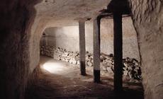 Zwiedzanie podziemi kredowych w Chełmie możliwe jest 3 razy dziennie o godz. 11, 13, i 16. Bez przewodnika w podziemnym labiryncie łatwo byłoby się zgubić