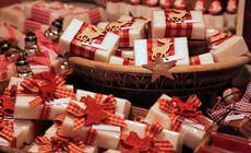Zapakowane odświętnie mydełka z alpejskiego koziego mleka