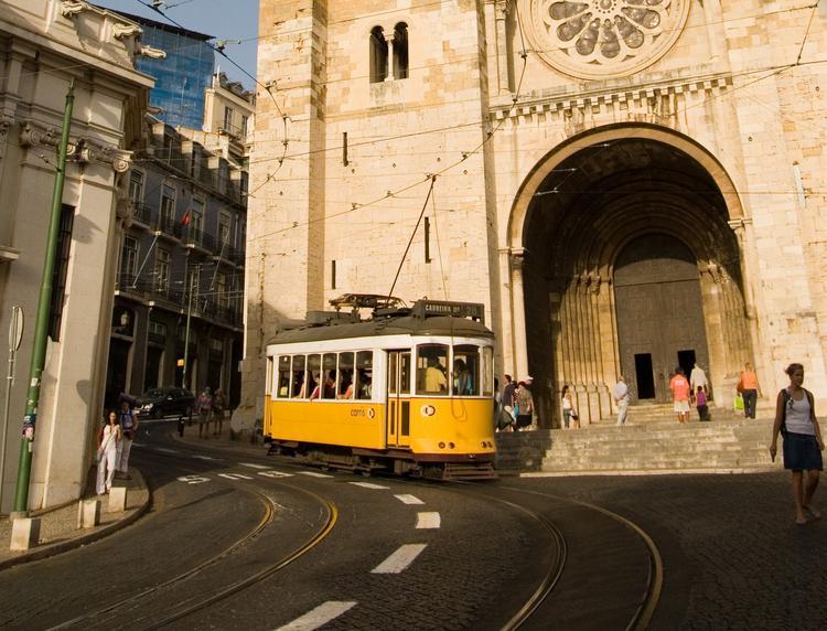 Na ulice Lizbony nie wyjedzie dziś większość autobusów i tramwai