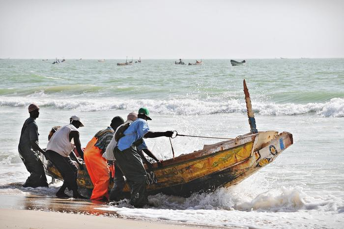 Linia brzegowa Mauretanii ma długość 1200 km (fot. Julia Wizowska)