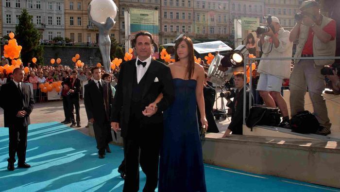 Aktor Andy Garcia z córką na festiwalu w Karlowych Warach