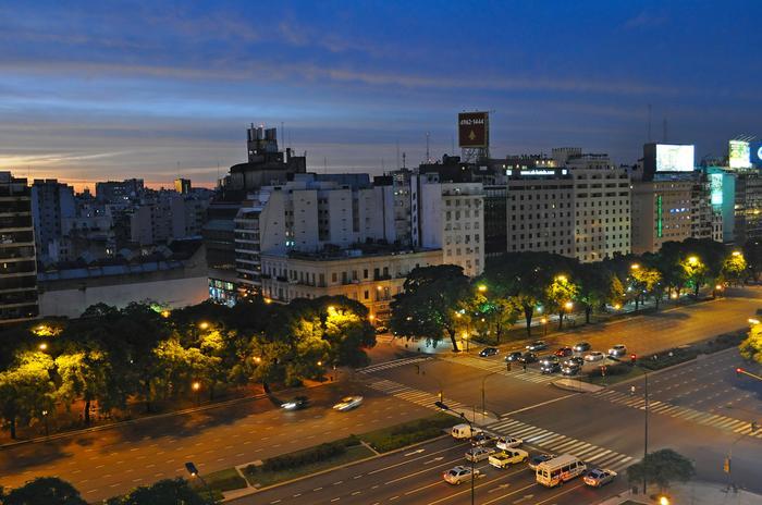 AVENIDA 9, BUENOS AIRES