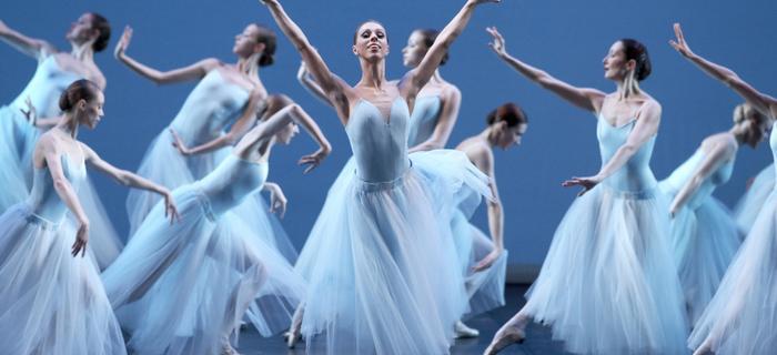 Zorza polarna Norwegia. Festiwal Zorzy Polarnej w Tromso przyciąga miłośników jazzu, muzyki klasycznej i baletu
