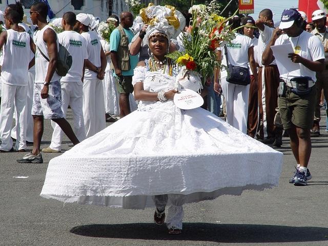 Tradycyjny strój kobiecy w Bahíi.