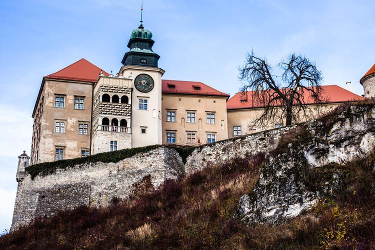Szlak Orlich Gniazd - zamek w Pieskowej Skale
