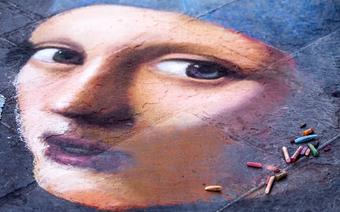 Dziewczyna z Perłą, rysunek na chodniku. Florencja