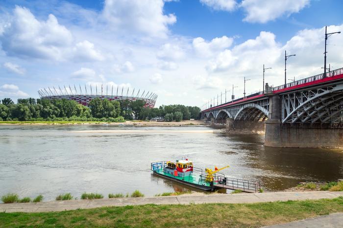 Warszawa. Przeprawa na drugą stronę Wisły