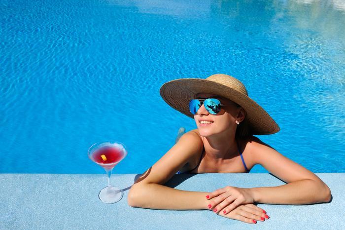 Basen, drink, relaks