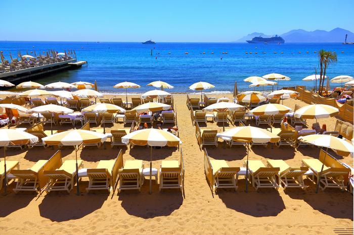 Lazurowe Wybrzeże - plaża w Cannes