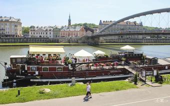 Kraków, barki i most nad Wisłą