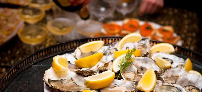 Ostrygi, owoce morza