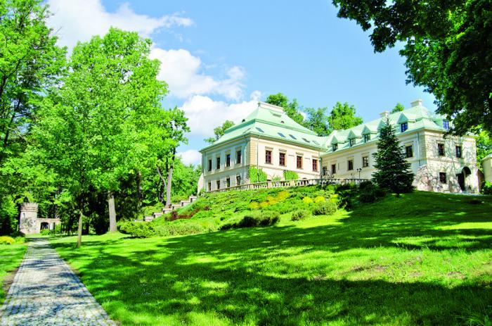 Pałace i zamki w Polsce - pałac w Chlewiskach