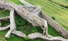 Zamek Spiski, 45 km od Popradu