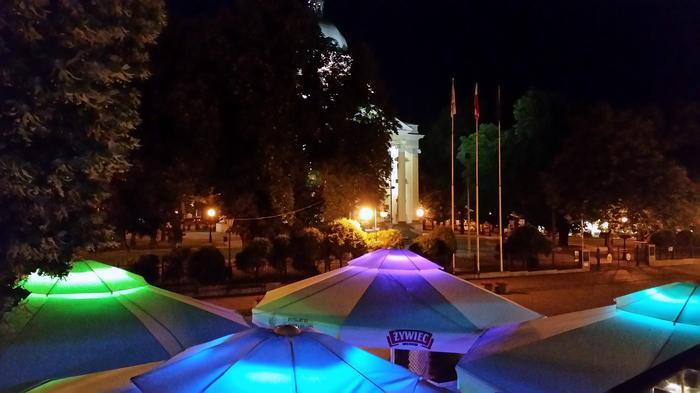 Plac Konstytucji 3 Maja nocą