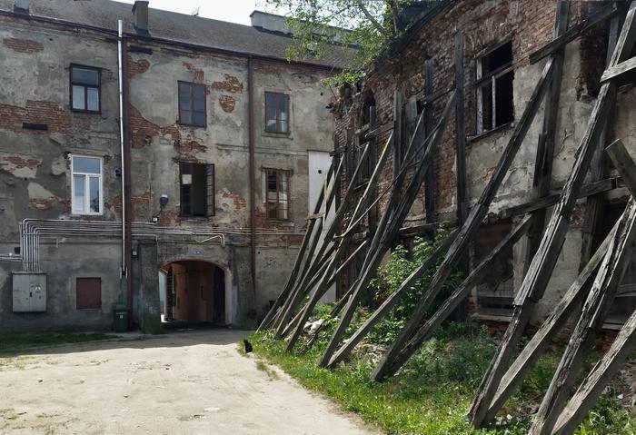 Jedno z podwórek na tyłach ulicy Żeromskiego