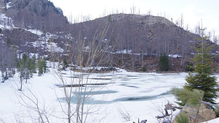 Jezioro Kamieniste w Parku Narodowym w górach Kurore e Lures