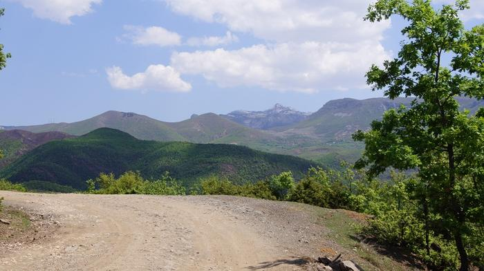 W drodze do miejscowości Lura